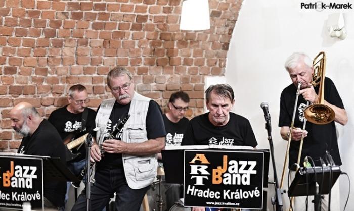 ART JAZZ BAND - Koncert / Hradec Králové