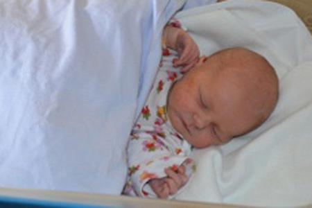 V krajských porodnicích se vloni narodilo 3 130 dětí, z toho bylo 17 dvojčat