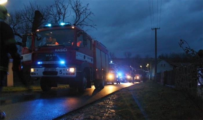 Požár střechy domu v Šluknově