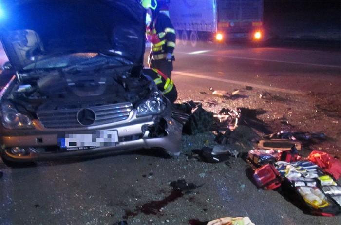 Nehoda nákladního a osobního automobilu