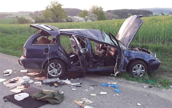 Tři zranění po nehodě osobního vozidla na Žďársku