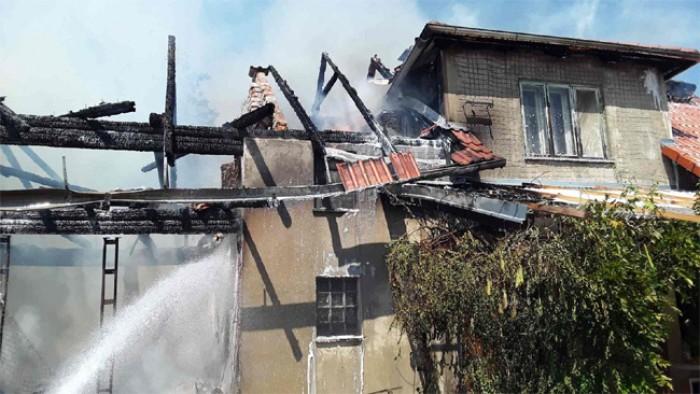 V Popůvkách na Třebíčsku hořel rodinný dům, škoda se vyšplhala na 500 tisíc korun