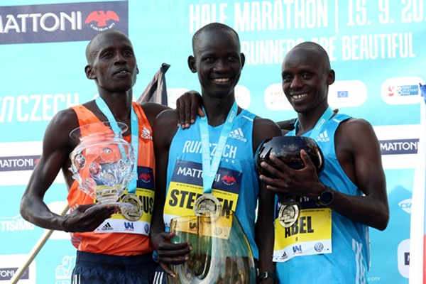 Keňská dominance na půlmaratonu v Ústí