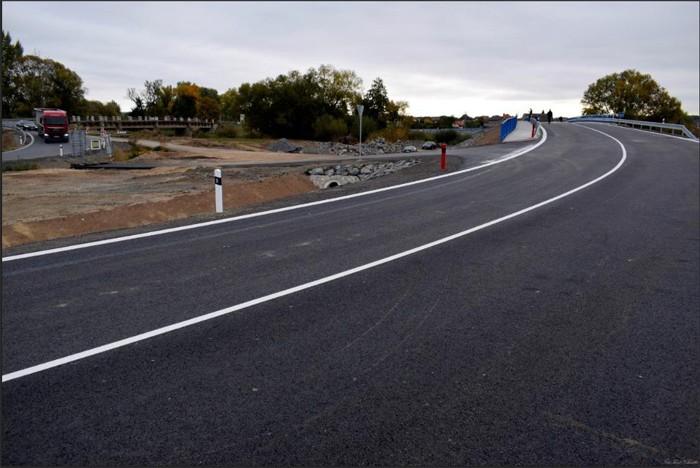 V Sojovicích se už jezdí po novém mostě