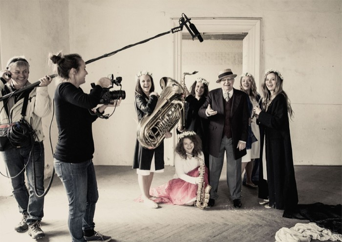 Olga Sommerová připravuje celovečerní dokument Legenda Suchý. Do kin půjde na podzim