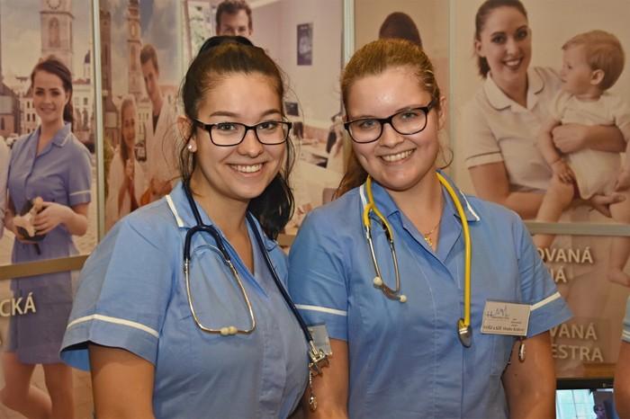 Studenti zdravotnických škol dostanou větší stipendia