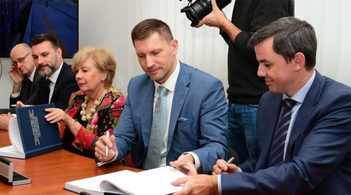 České dráhy uzavřely tři desetileté smlouvy s Jihočeským krajem, do nových vozidel investují přes 1,8 mld. korun