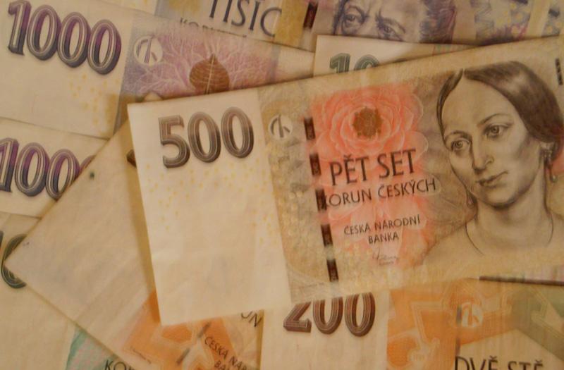 Češi si před Vánoci půjčují o 10 % více než v loňském roce