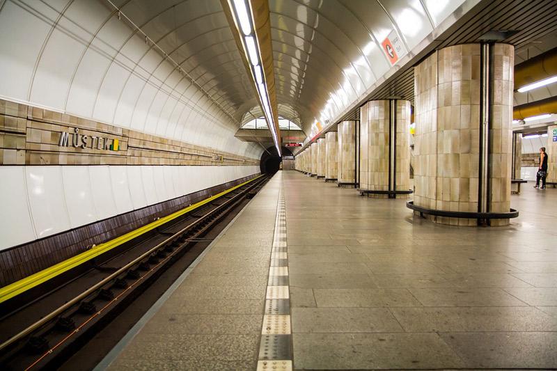 Vestibuly metra Florenc a Muzeum se na celé odpoledne promění v koncertní síně