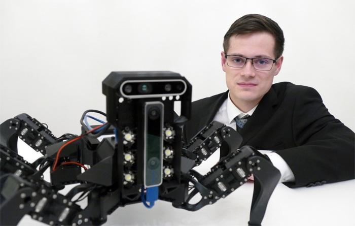 Autonomní robot záchranář Jana Bayera zvítězil v prestižní soutěži IT SPY