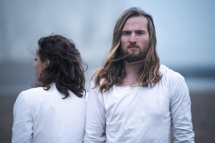 Dreampopové duo teepee oznamuje vydání nové desky Where the Ocean Breaks