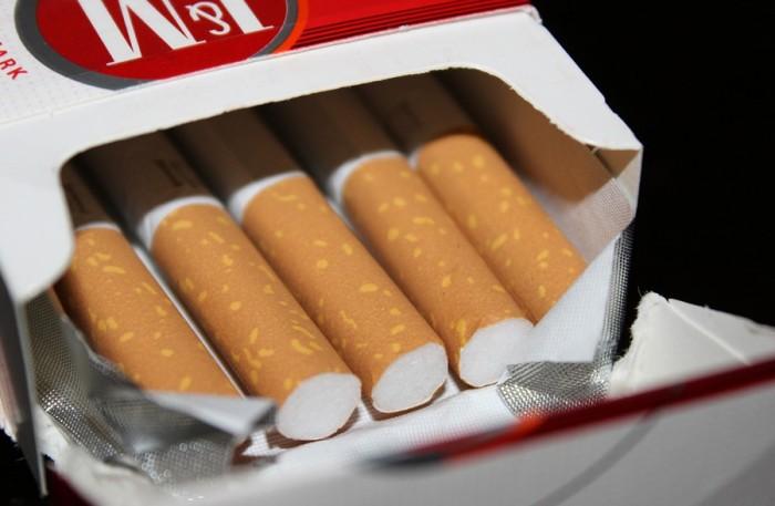 Česku patří celosvětově sedmé místo ve spotřebě cigaret, nejvíce kouří senioři starší 65 let