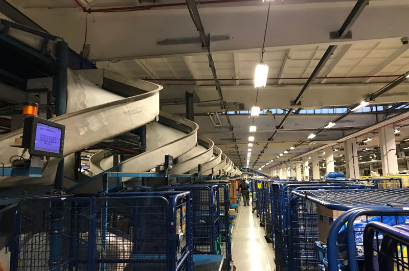 V Česku funguje 13 a půl tisíce výdejen balíků, největší nápor mají v lednu kvůli vracení zboží