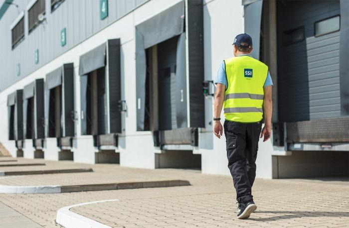V kancelářských budovách putuje polovina provozních nákladů na služby jako technická správa, ostraha, úklid a opravy
