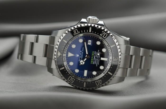 Čas na výhodné nákupy aneb kde sehnat levné hodinky?