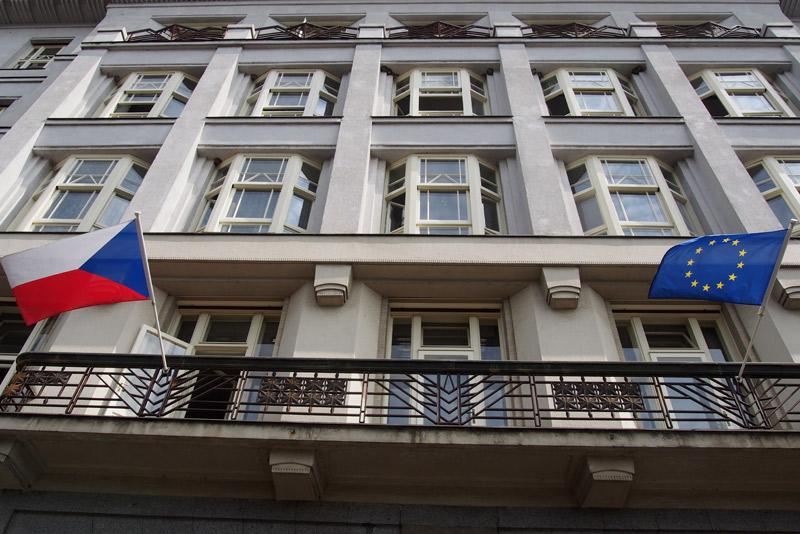 Prodejem nepotřebného majetku stát loni utržil přes 1,4 miliardy korun