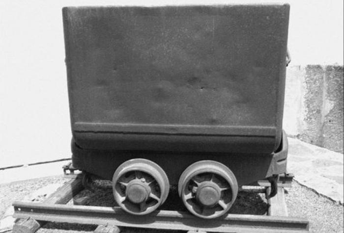 Důlní vozíky i 3D mapa. Muzeum v České Lípě chystá expozici o těžbě uranu