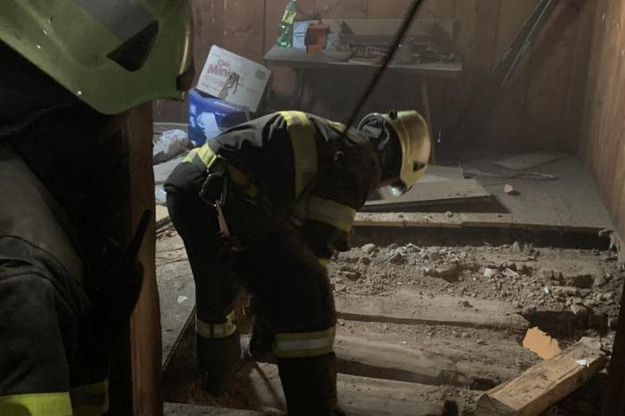 Zazděný trám v komíně způsobil požár rodinného domu v Otovicích