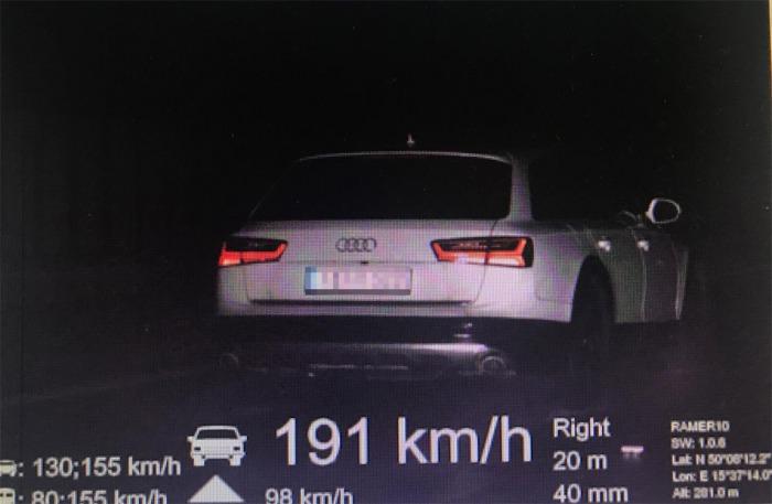 Řidič cizí státní příslušnosti zaplatil 10 000 korun pokuty za zběsilou jízdu po dálnici