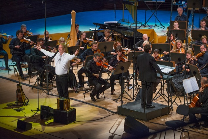 Jaromír Nohavica zahraje s filharmonií hned dvakrát v O2 universu