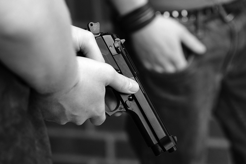 Cizinec střílel na sídlišti v Horní Plané