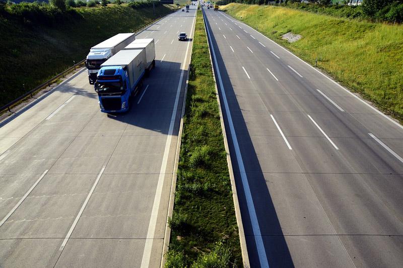 Nový návrh systému elektronických dálničních známek vyjde na 128 milionů