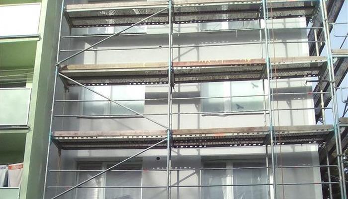 Město Rožnov pod Radhoštěm dá do rekonstrukcí bytových domů 14 milionů, dotace přinesou 3,3 milionu korun