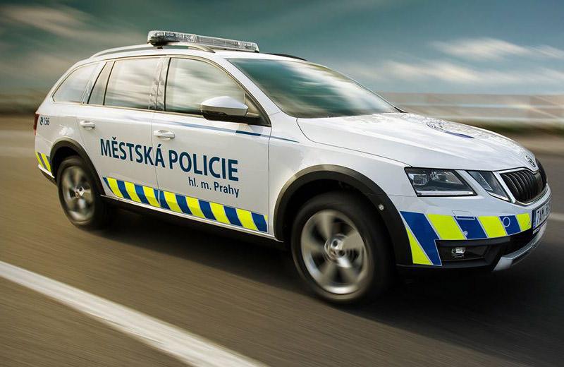 Strážníci odhalili řidiče taxi, který provozoval živnost i přes pravomocný zákaz činnosti