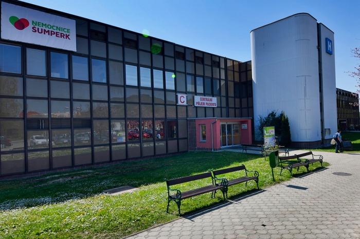Zákaz návštěv v šumperské nemocnici