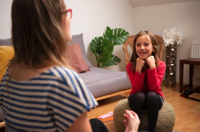 Komunikaci s dětmi by neměl zastat tablet. Rodiče a kontakt s nimi dětem nic nenahradí