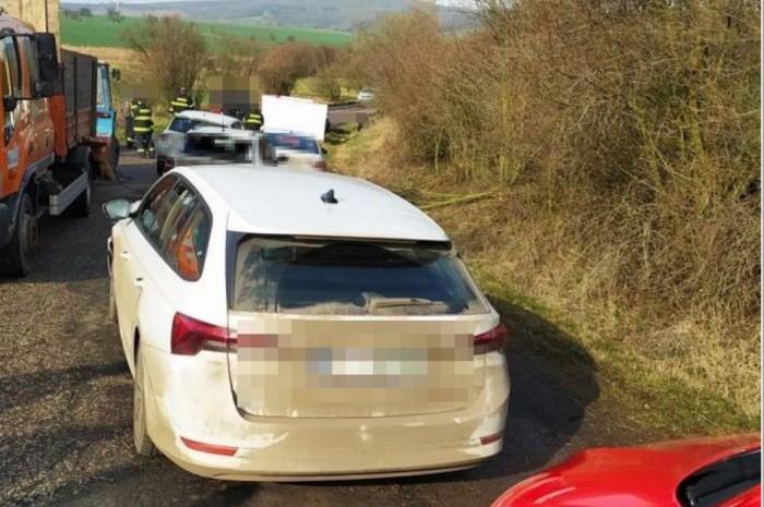 Na Jičínsku srazil automobil silničáře, ten na místě zemřel