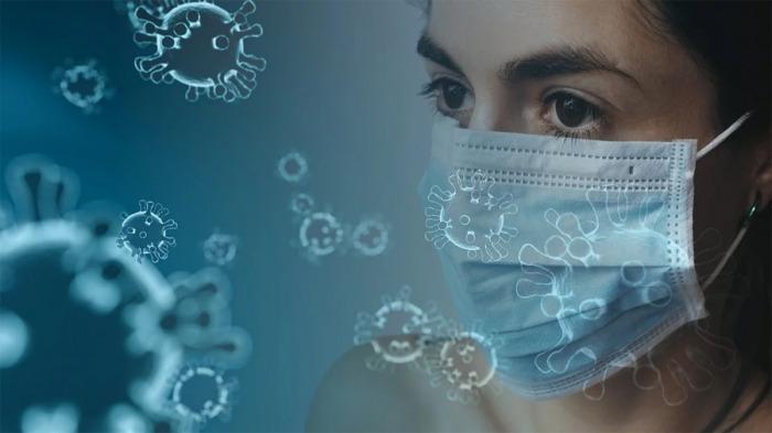 Velké nemocnice i praktici dostanou respirátory a roušky nejpozději v pátek. FN HK má nyní zásoby zhruba na dva týdny