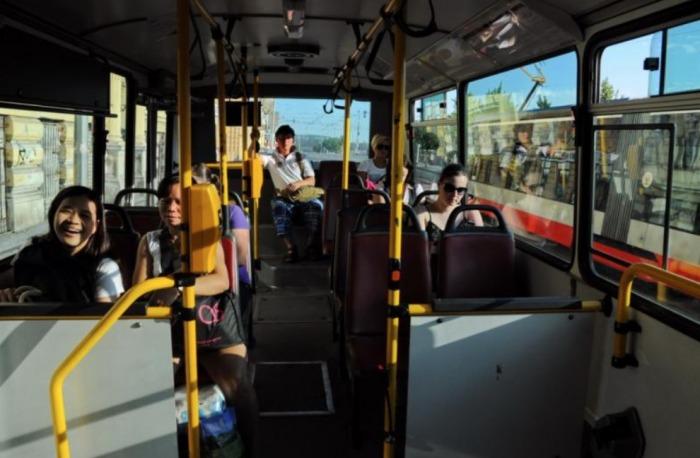 Praha kvůli mimořádným opatřením znovu upravuje provoz autobusů. Linky metra a tramvají zůstávají nadále beze změny
