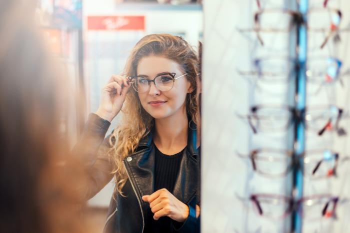 Jak je to s nošením dioptrických brýlí na dálku?