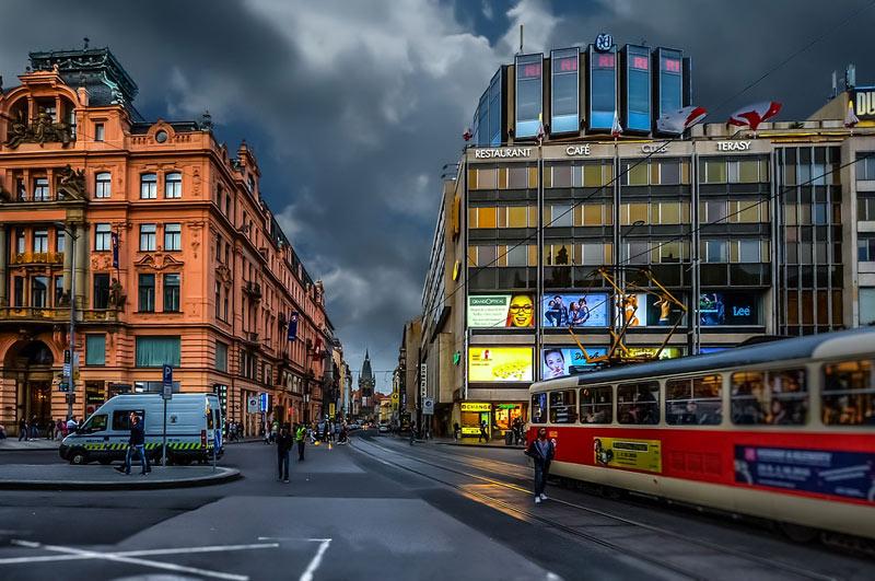 Hlavní město zvažuje odložení splátek nájemného pro pražské živnostníky a menší podnikatele