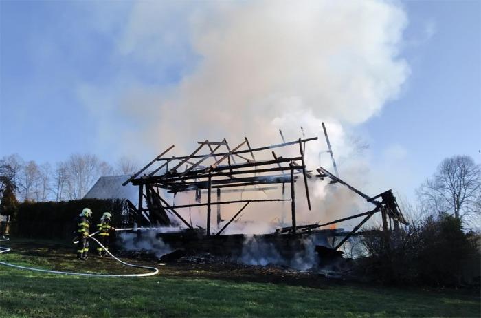 Požár stodoly v Dolní Sytové na Semilsku