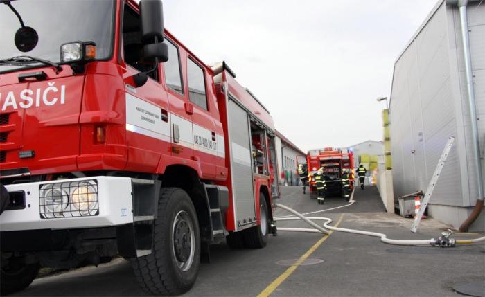 Požár průmyslového objektu v Ludkovicích na Zlínsku