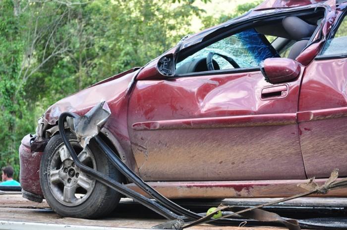 Počet dopravních nehod po omezení pohybu klesl téměř na polovinu, mrtvých ale výrazně neubylo