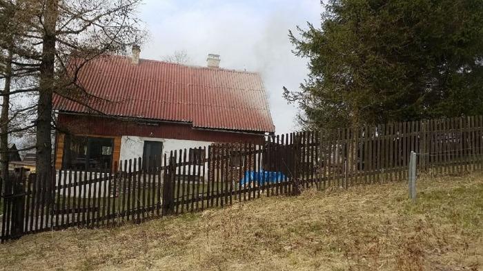 Požár rodinného domu na Orlickoústecku způsobil škody za 100 tisíc korun