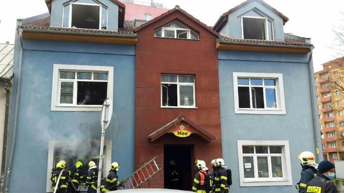 V Lipníku nad Bečvou vypukl požár v šicí dílně, škody přesáhly milion korun
