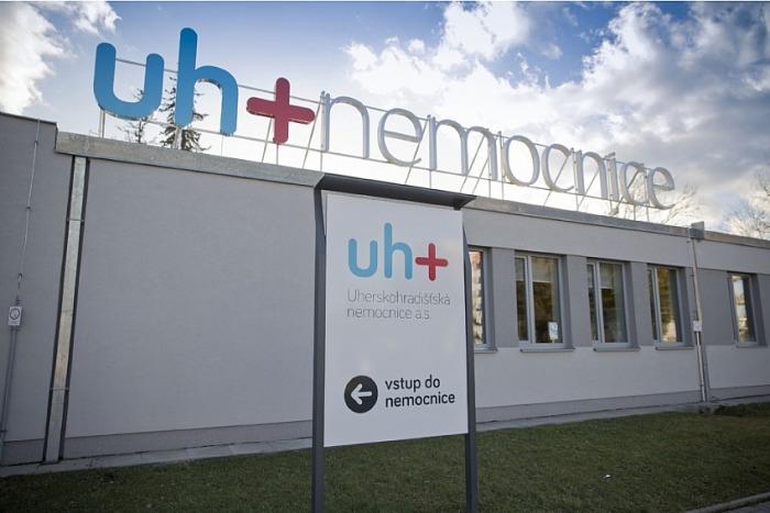 Pacienti i zdravotníci, kteří byli v kontaktu s primářem uherskohradišťské neurologie, mají testy negativní