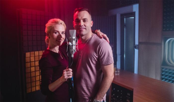 Michael Petr vydává dva nové videoklipy, ve kterých tančí s Alicí Stodůlkovou