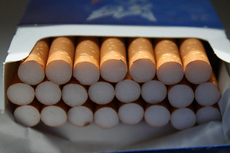 Ministerstvo financí předkládá vládě návrh na zdražení cigaret a stravenkový paušál