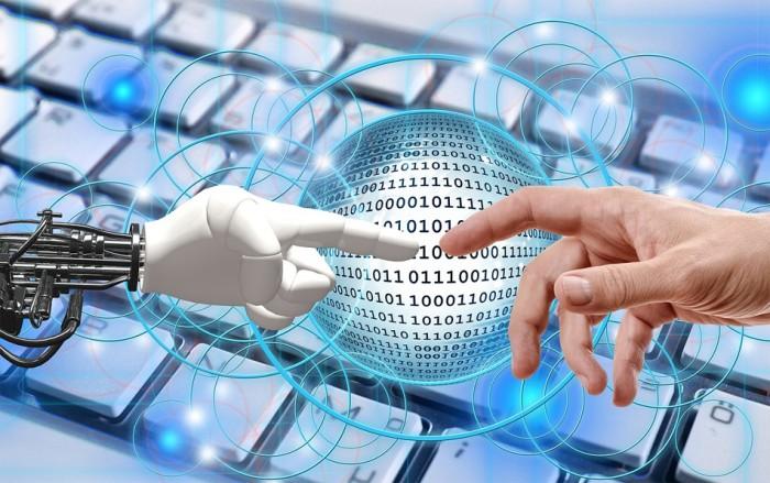Pandemie covid-19 by měla přispět k urychlení robotizace a automatizace. Bojí se jich zaměstnanci?