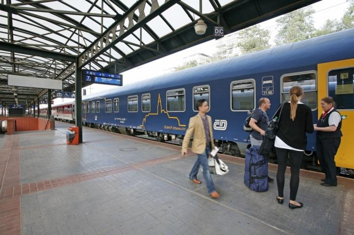 České dráhy zahajují provoz nočních vlaků, cestující jimi dojedou do Tater či do Alp