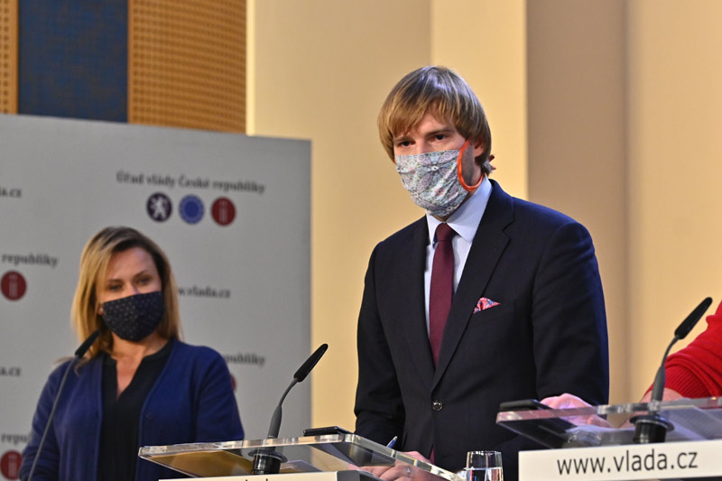 Od 1. července bez roušek, protiepidemická opatření se zpřísní v některých částech Moravskoslezského kraje