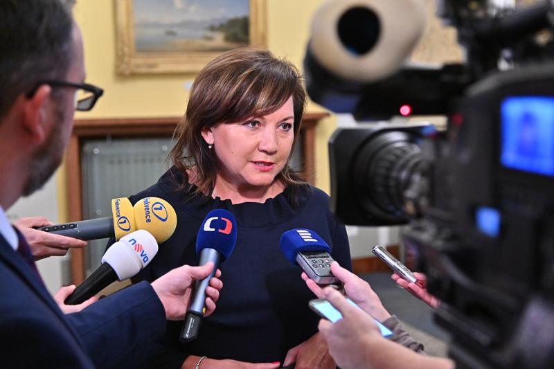 Rozšíření kompenzačního bonusu na dohodáře vyjde veřejné rozpočty na 2 miliardy korun