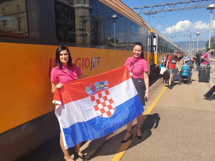 První spoj RegioJetu dorazil k Jadranu. Žlutým vlakem přijelo přibližně 500 cestujících