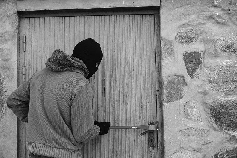 Policie dopadla recidivistu ze Sokolova, opět kradl a vloupal se do několika objektů