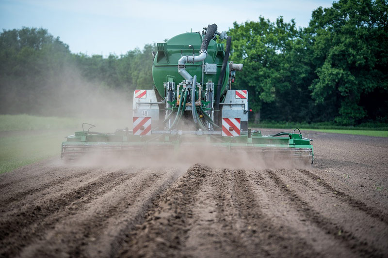Ministr Toman: Spotřeba pesticidů v České republice za rok 2019 opět klesla